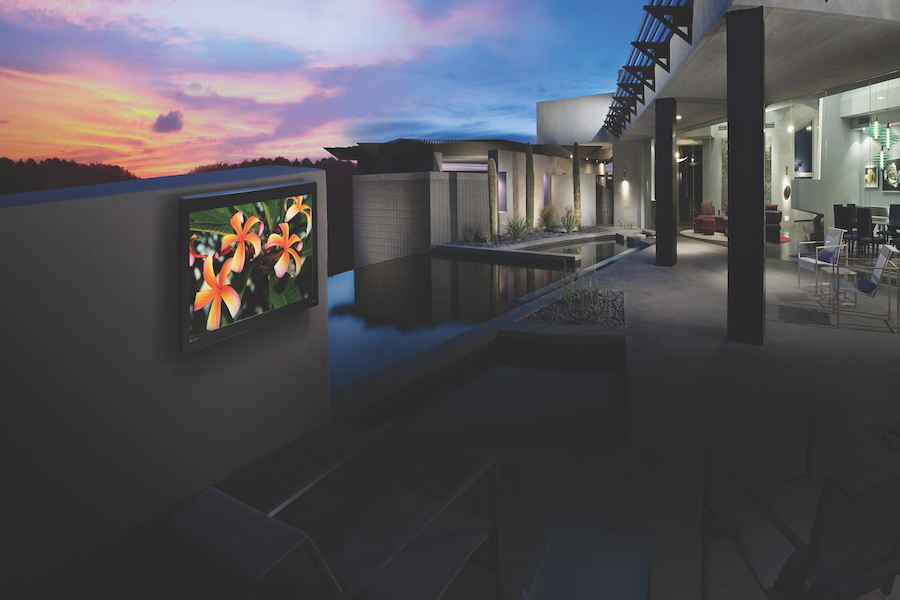 DISCOVER THE BEST BRANDS FOR YOUR OUTDOOR ENTERTAINMENT SYSTEM